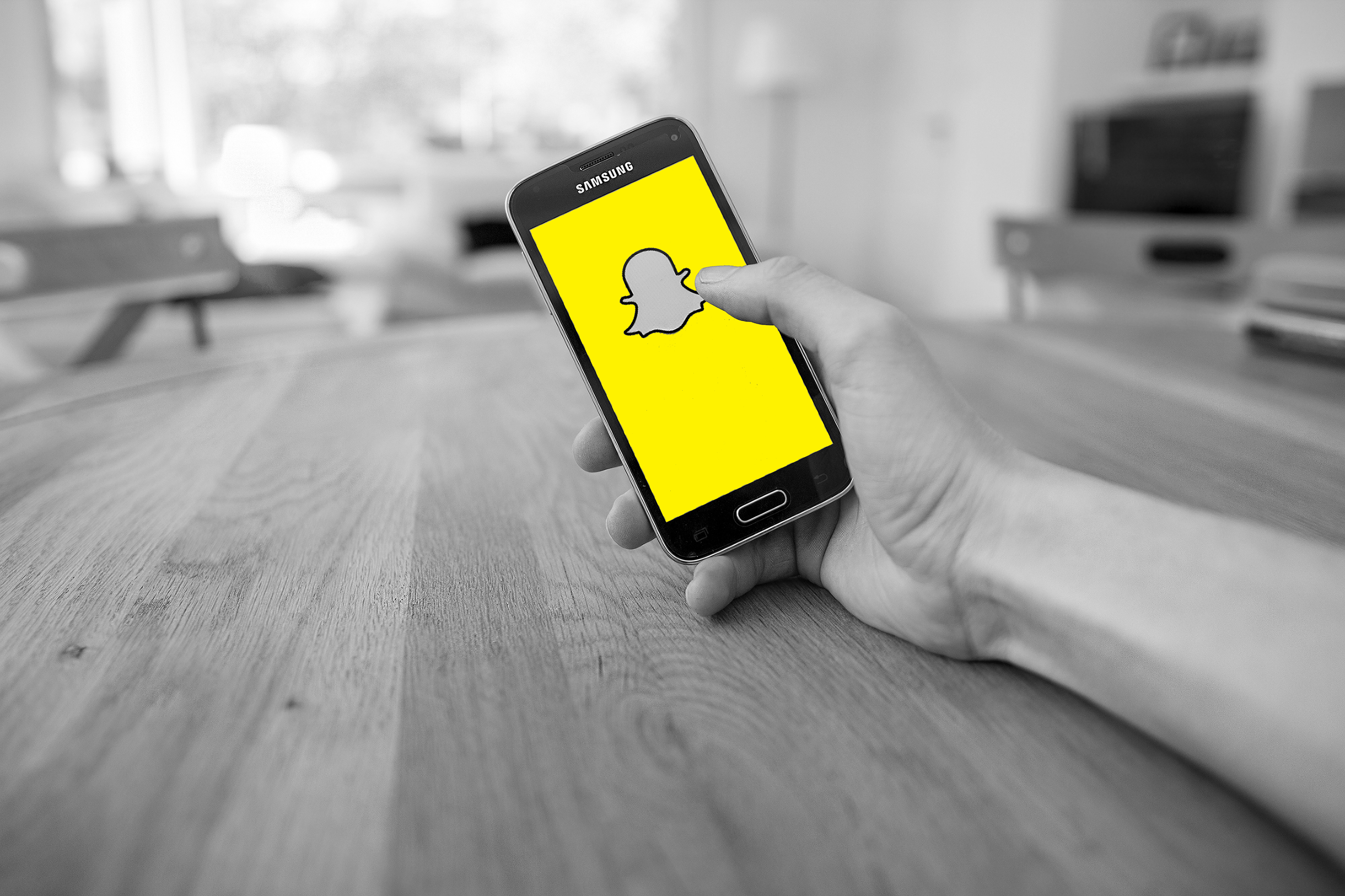 Facebook 2 Billion Milestone, Snapchat Advertising in NZ